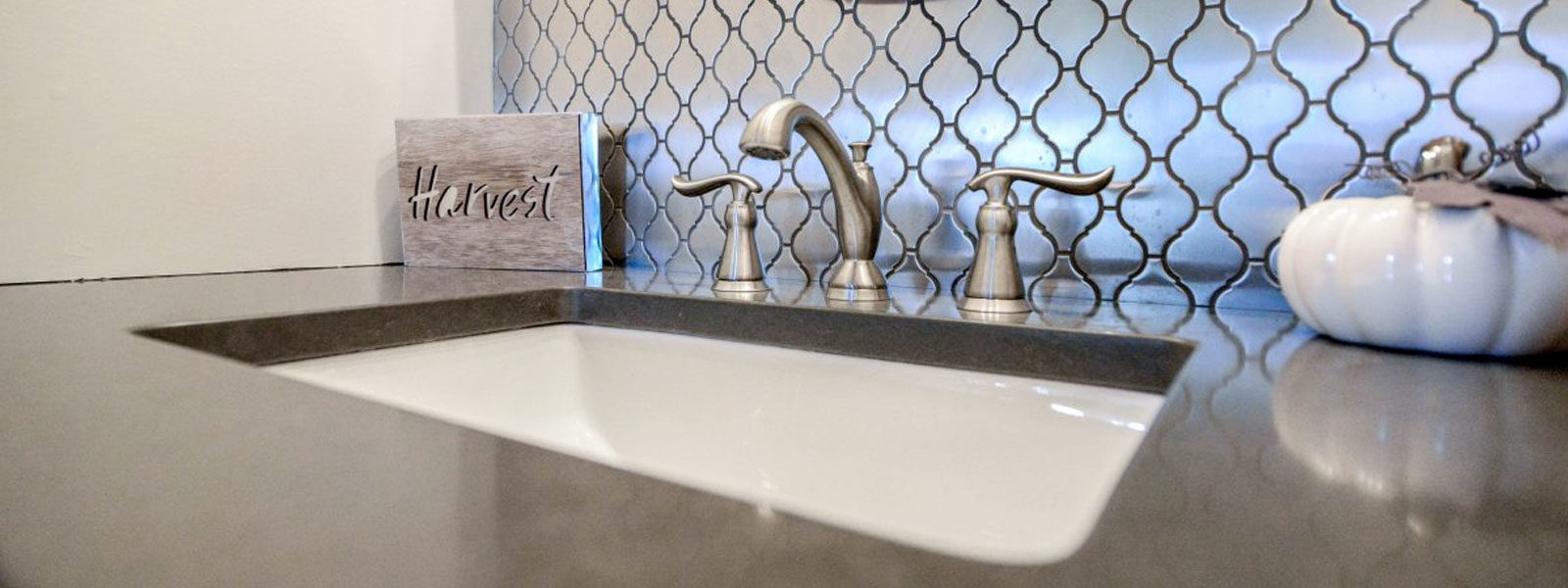 Avoid Trendy: Keys to Keeping a Bath Classy