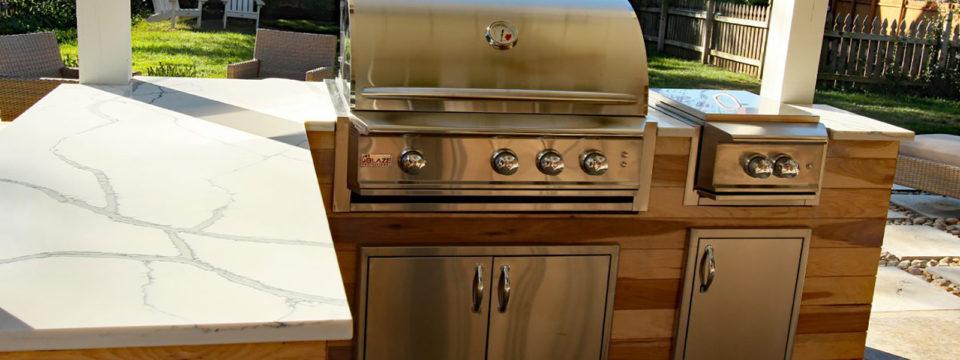 3 Outdoor Kitchen Must Haves | Rocktops Kansas City Granite